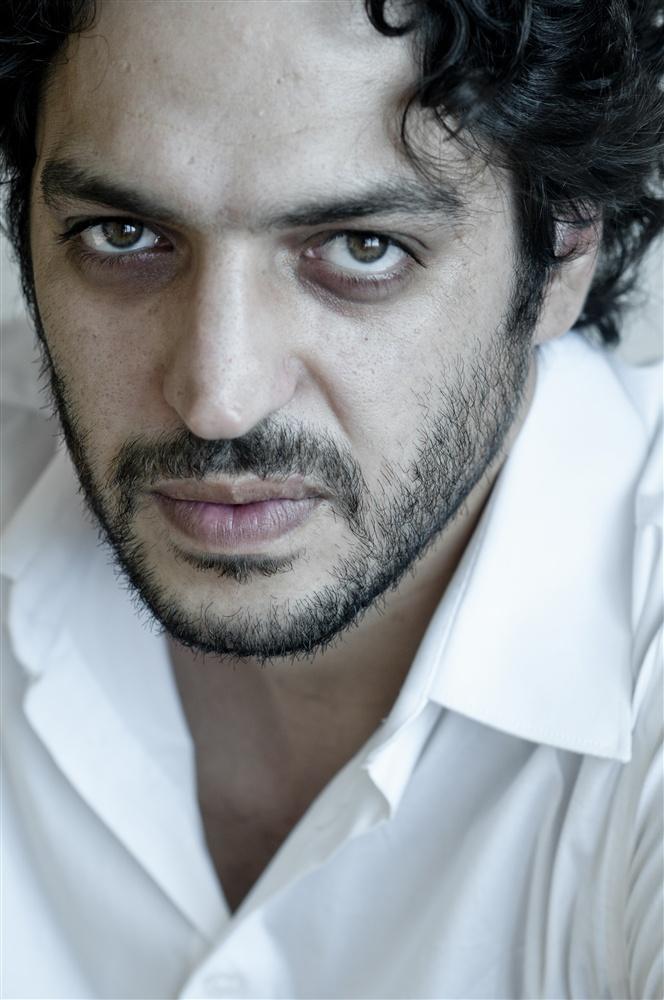 Younes bouab l acteur principal de zero pr sent cin alma for Film marocain chambra 13